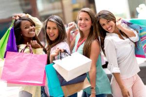 4 women shopping